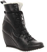 dco-copenhagen-asos-boots-wedge-laceup-boots-with-fur-lining
